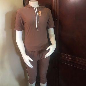 🆕 Odiva Khaki Capri Joggers Set-L/XL